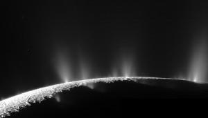 enceladus_geyzer